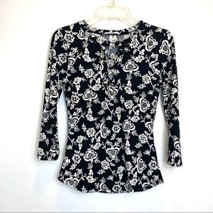 Sale🎈DNA Couture Black & White Floral Lace Up Top